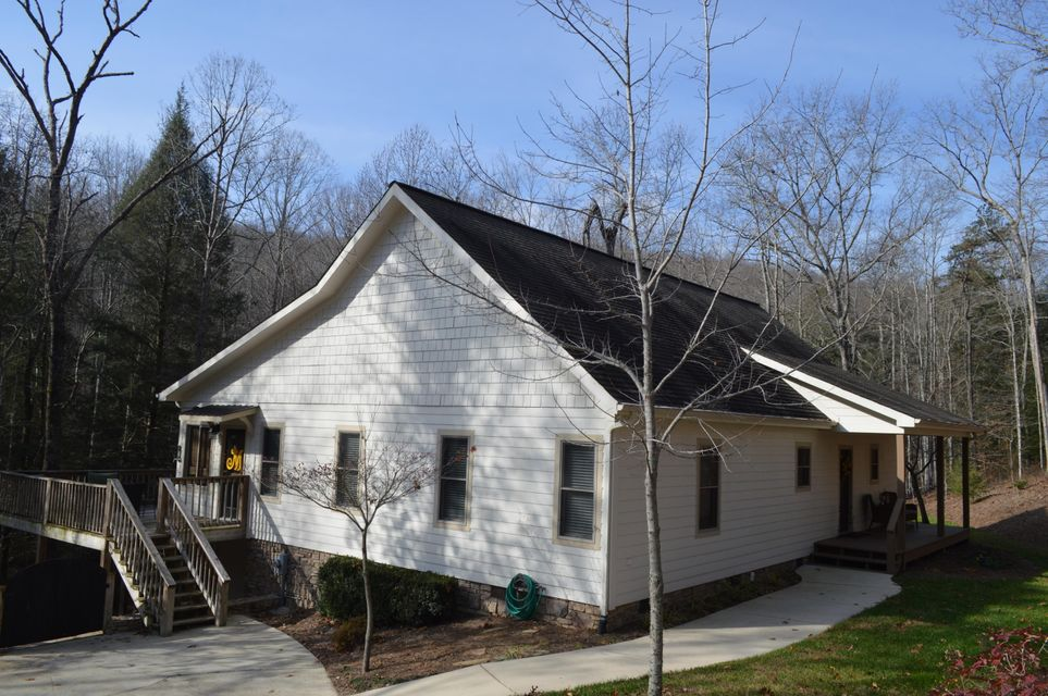 Photo of home for sale at 581 Deep Woods, Dunlap TN