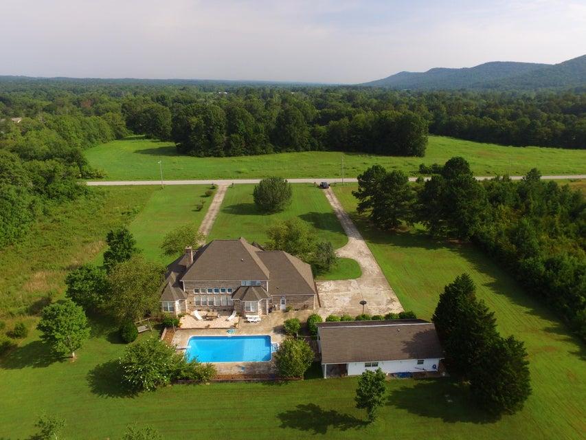 Photo of home for sale at 178 Nickajack E, Ringgold GA