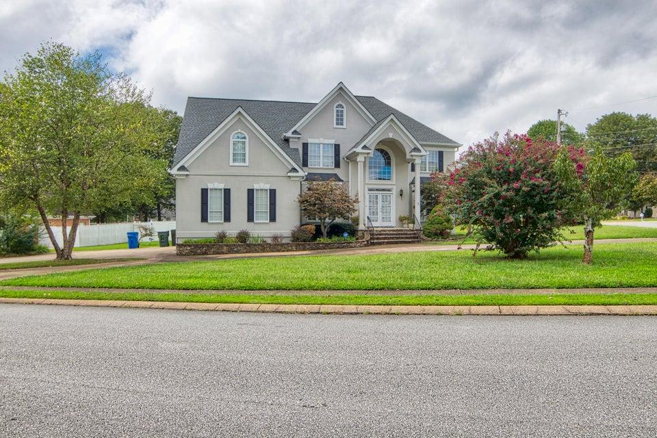 2421  Laurelton Creek  Ln, Chattanooga, Tennessee