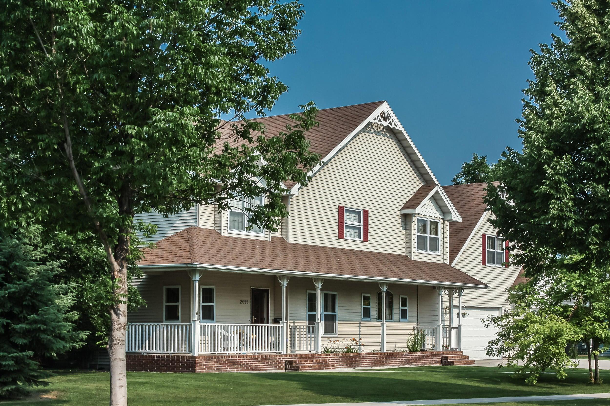 2098 38TH ST,GRAND FORKS,North Dakota 58201,4 Bedrooms Bedrooms,3 BathroomsBathrooms,Single Family,38TH ST,16-367
