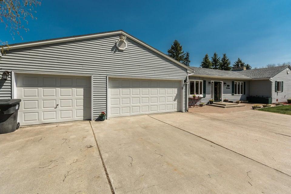 3005 BELMONT RD,GRAND FORKS,North Dakota 58201,4 Bedrooms Bedrooms,3 BathroomsBathrooms,Single Family,BELMONT RD,16-884