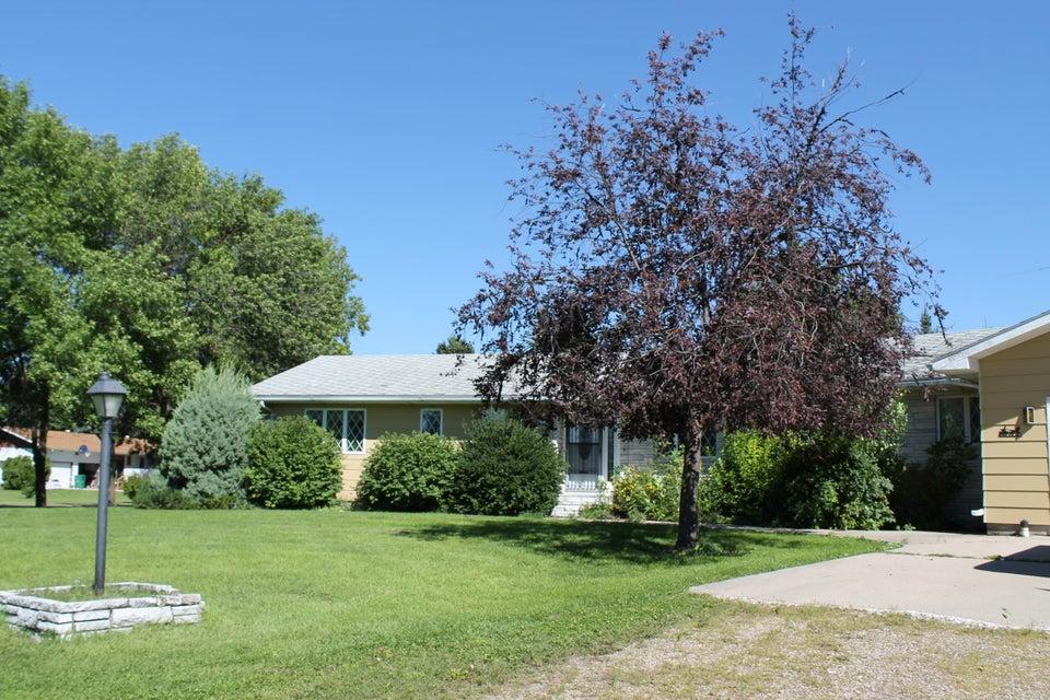 608 6TH AVENUE,REYNOLDS,North Dakota 58275,3 Bedrooms Bedrooms,3 BathroomsBathrooms,Single Family,6TH AVENUE,16-1542