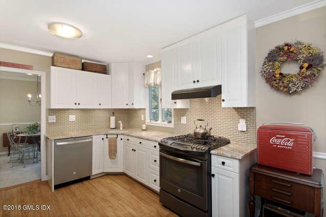 83 Lancer Road,Riverside,Connecticut 06878,4 Bedrooms Bedrooms,3 BathroomsBathrooms,Single family,Lancer,103108