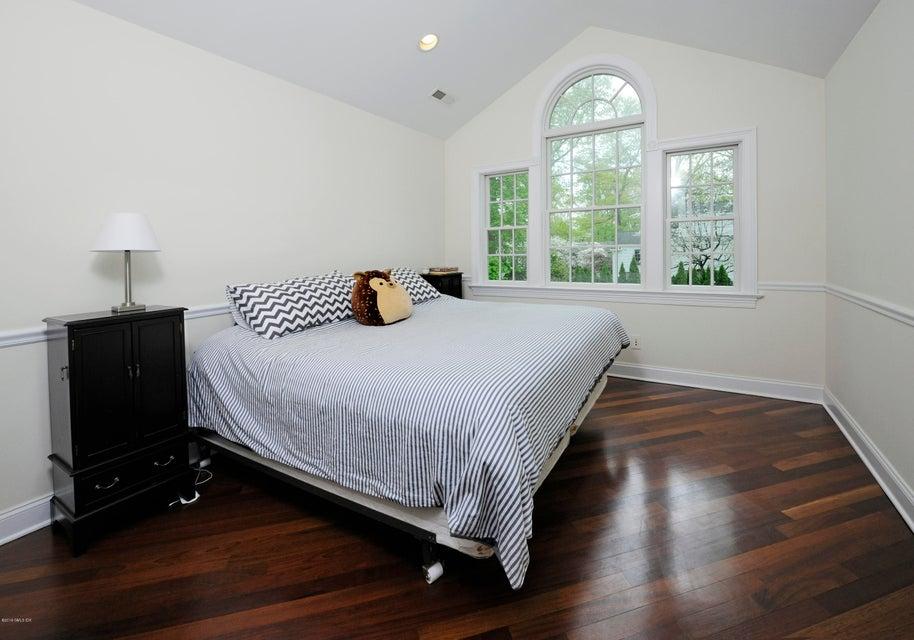 34 Hendrie Avenue,Riverside,Connecticut 06878,6 Bedrooms Bedrooms,5 BathroomsBathrooms,Single family,Hendrie,103093