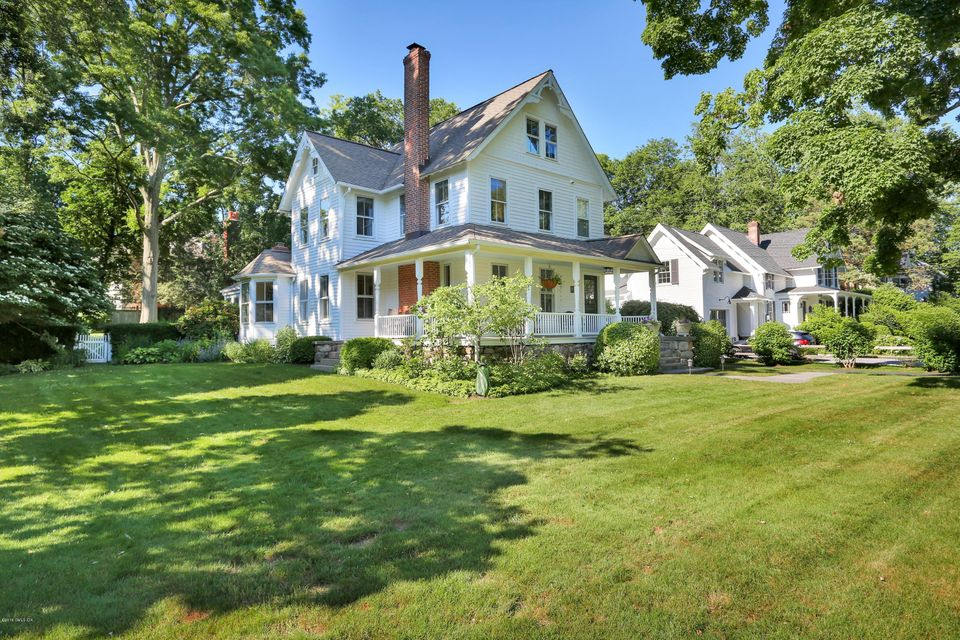 19 Hendrie Avenue,Riverside,Connecticut 06878,4 Bedrooms Bedrooms,3 BathroomsBathrooms,Single family,Hendrie,103713