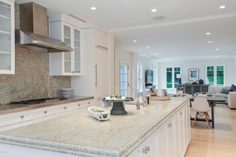 70 Midwood Road,Greenwich,Connecticut 06830,7 Bedrooms Bedrooms,7 BathroomsBathrooms,Single family,Midwood,103741