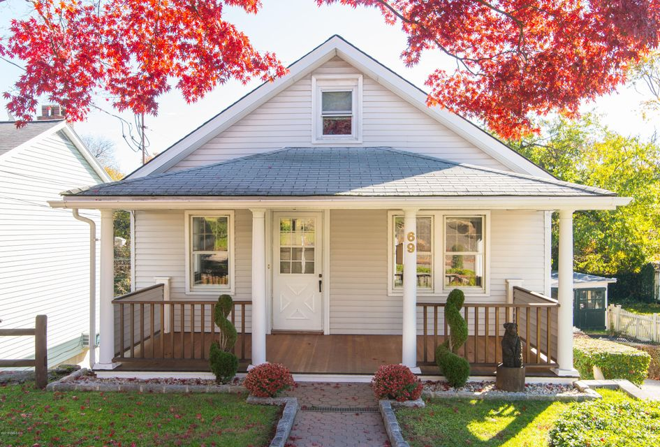 69 View Street,Greenwich,Connecticut 06830,3 Bedrooms Bedrooms,2 BathroomsBathrooms,Single family,View,104908