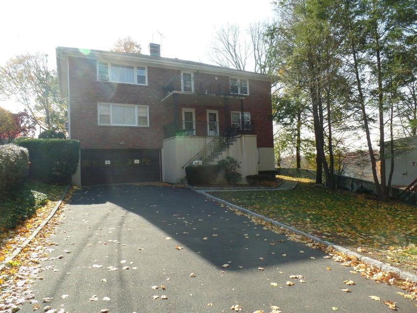 74 Byram Terrace Drive,Greenwich,Connecticut 06831,3 Bedrooms Bedrooms,1 BathroomBathrooms,Apartment,Byram Terrace,104909