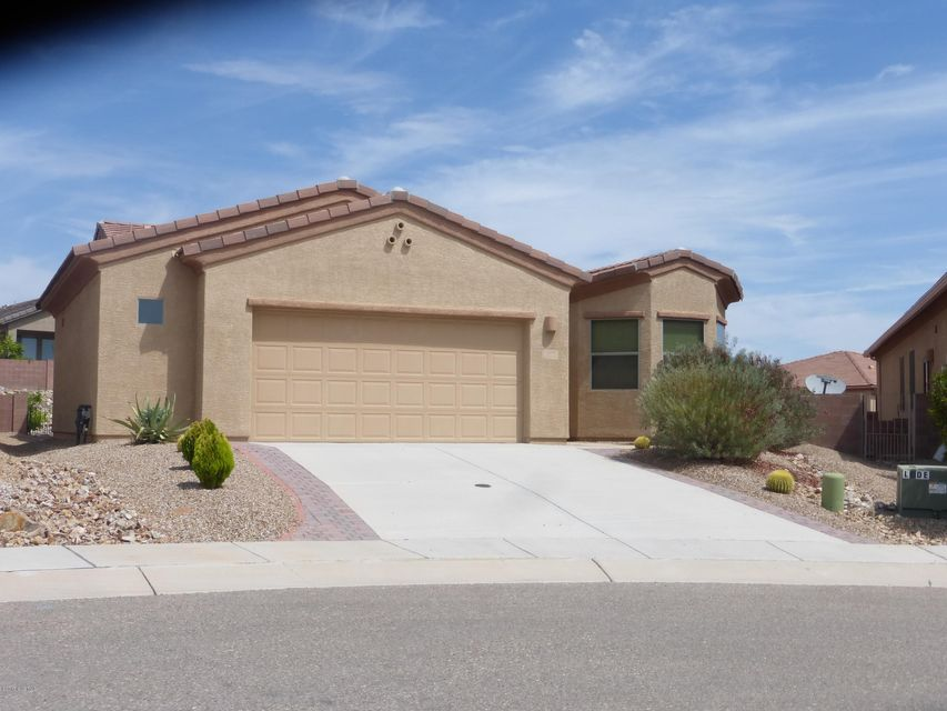 569 N Feke Court, Green Valley, AZ 85614