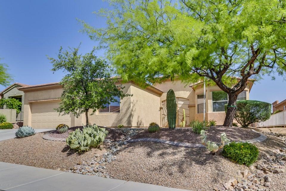 1018 W Bosch Drive, Green Valley, AZ 85614
