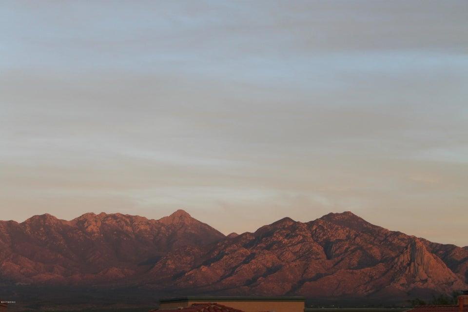 4925 S Meadow Ridge Drive, Green Valley, AZ 85622