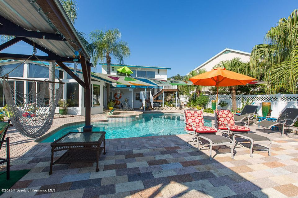 8000 Island Drive, Port Richey, FL 34668