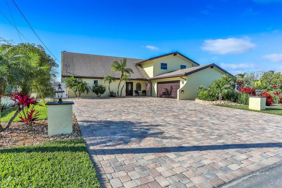 3240 Gulfview Drive, Hernando Beach, FL 34607