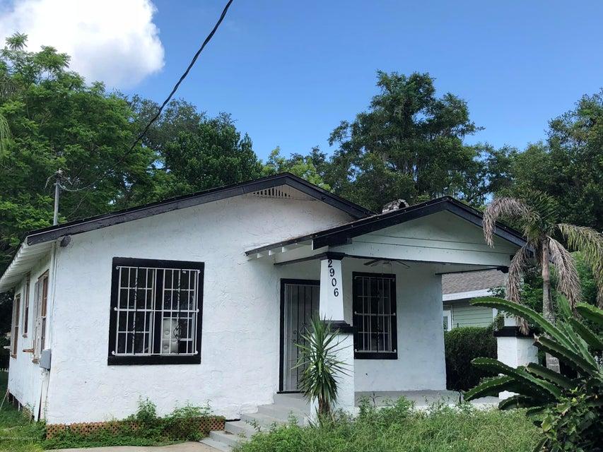 2906 N Ola Avenue