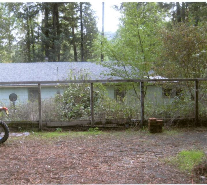 4281 Salmon Creek Road, Miranda, CA 95553