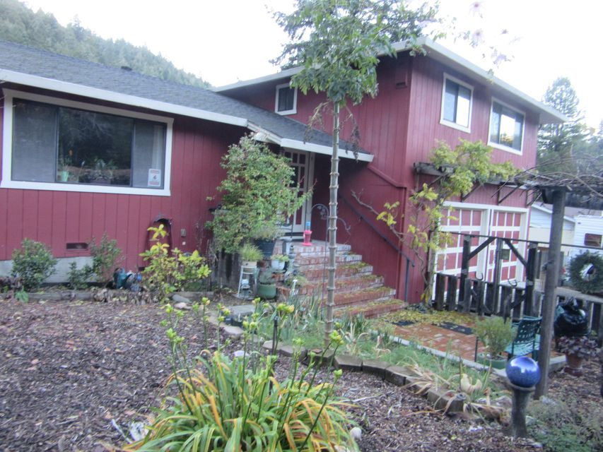 20 Palomino Way, Garberville, CA 95542