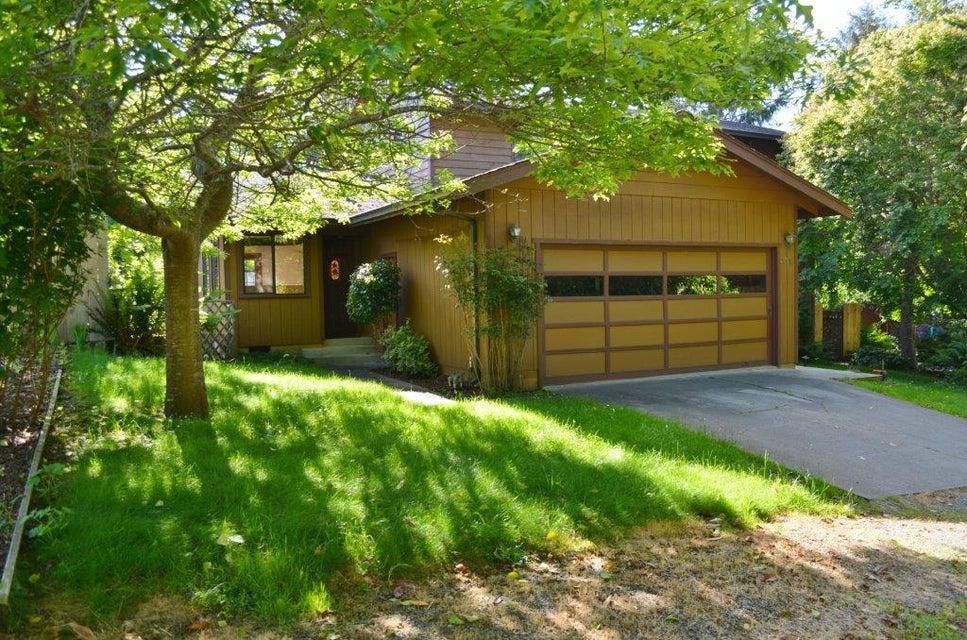 7198 Mountain View Lane, Eureka, CA 95503