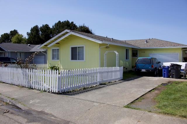 2170 Thiel Avenue, McKinleyville, CA 95519