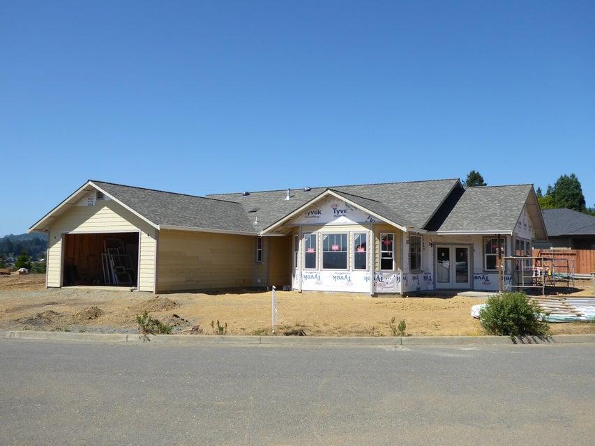 762 Hilltop Drive, Fortuna, CA 95540