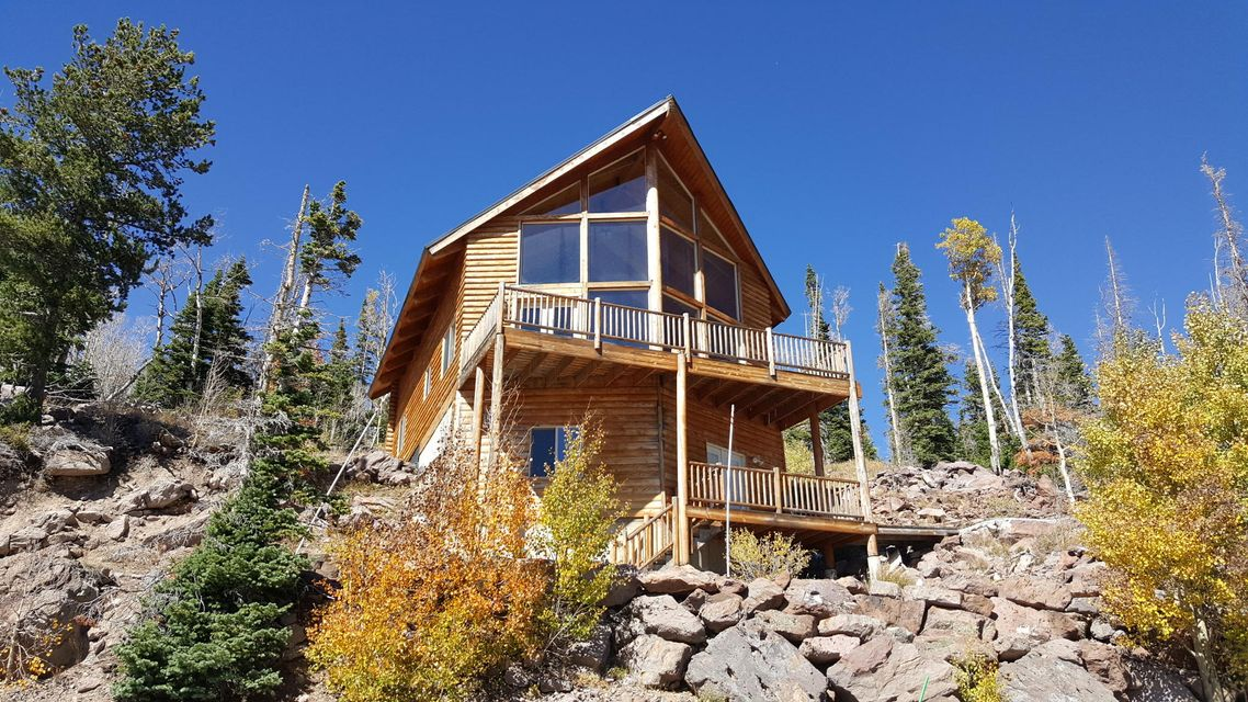 Listing detail for Brian head ski resort cabin rental