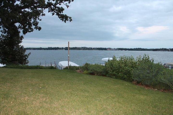 1216 Morningside Drive Okoboji, IA 51355