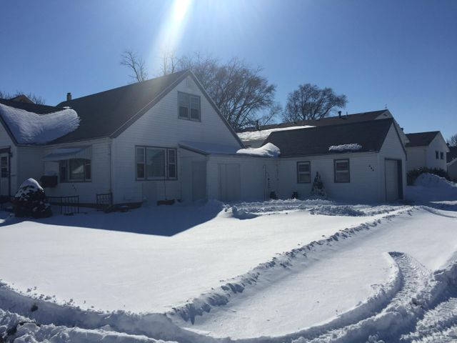 205 8th Street S    Estherville, IA 51334