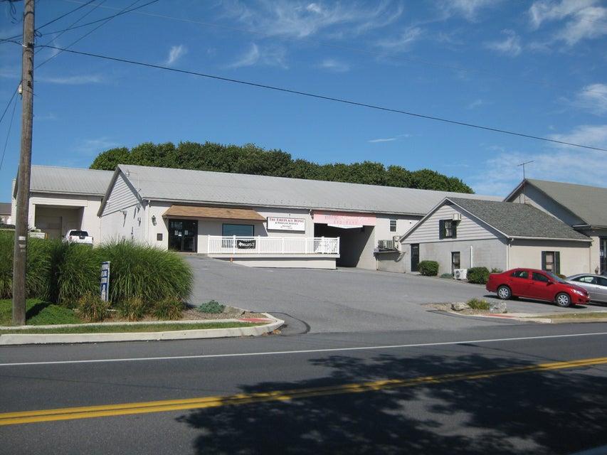 商用 為 出售 在 955 MAIN STREET 955 MAIN STREET Mount Joy, 賓夕法尼亞州 17552 美國