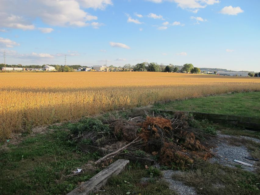 Additional photo for property listing at 701 STONY BATTERY ROAD 701 STONY BATTERY ROAD Landisville, Pennsylvania 17538 United States