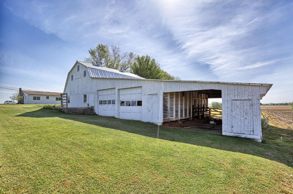 Additional photo for property listing at 568 WILLOW ROAD 568 WILLOW ROAD Lancaster, Pennsylvania 17601 Estados Unidos