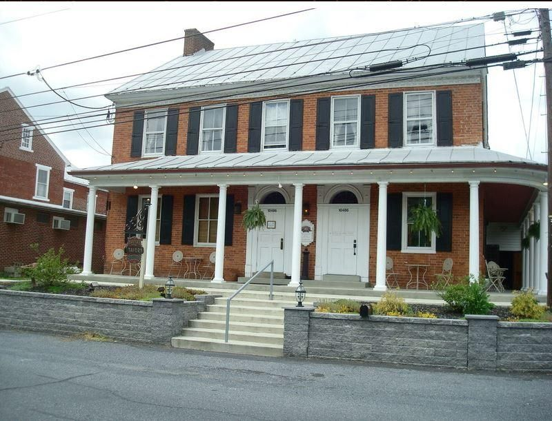 Comercial por un Venta en 10486 JONESTOWN ROAD ALLEY 10486 JONESTOWN ROAD ALLEY Annville, Pennsylvania 17003 Estados Unidos