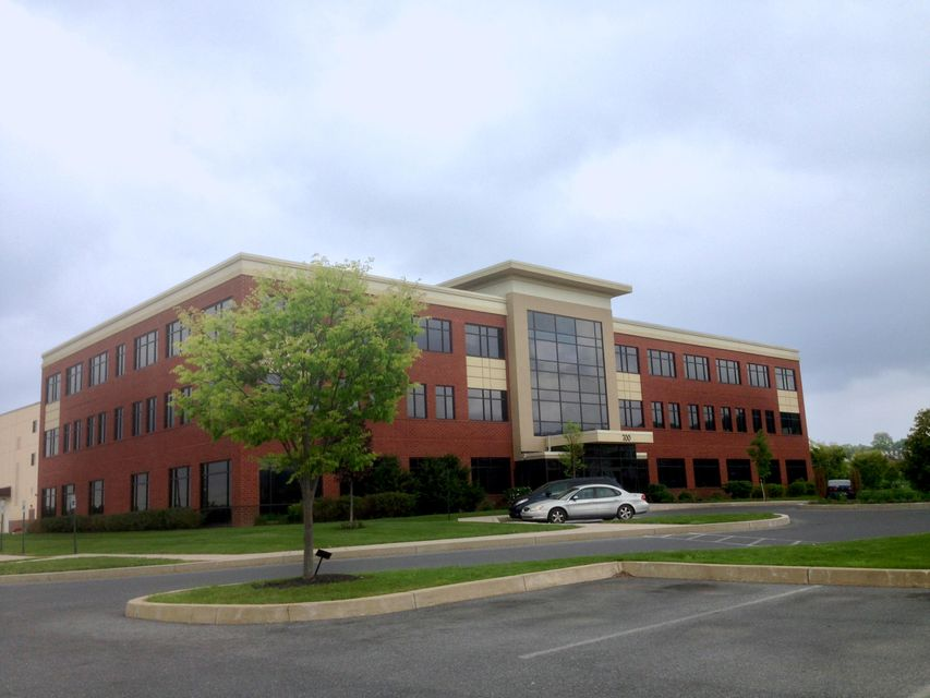 Commercial for Sale at 700 INDIAN SPRINGS DRIVE 700 INDIAN SPRINGS DRIVE Lancaster, Pennsylvania 17601 United States