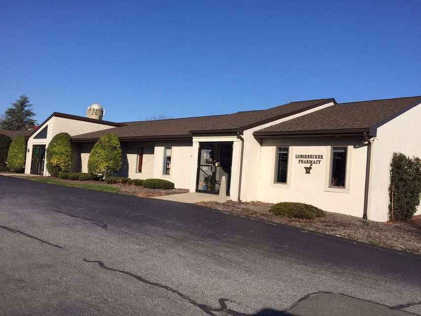 Comercial por un Venta en 5275 LINCOLN HIGHWAY 5275 LINCOLN HIGHWAY Gap, Pennsylvania 17527 Estados Unidos