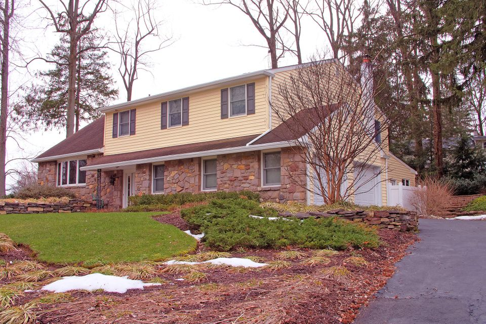 Single Family Home for Sale at 1040 HARVARD DRIVE Yardley, Pennsylvania 19067 United States