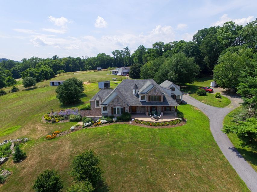 獨棟家庭住宅 為 出售 在 380 RINEER ROAD 380 RINEER ROAD Conestoga, 賓夕法尼亞州 17516 美國