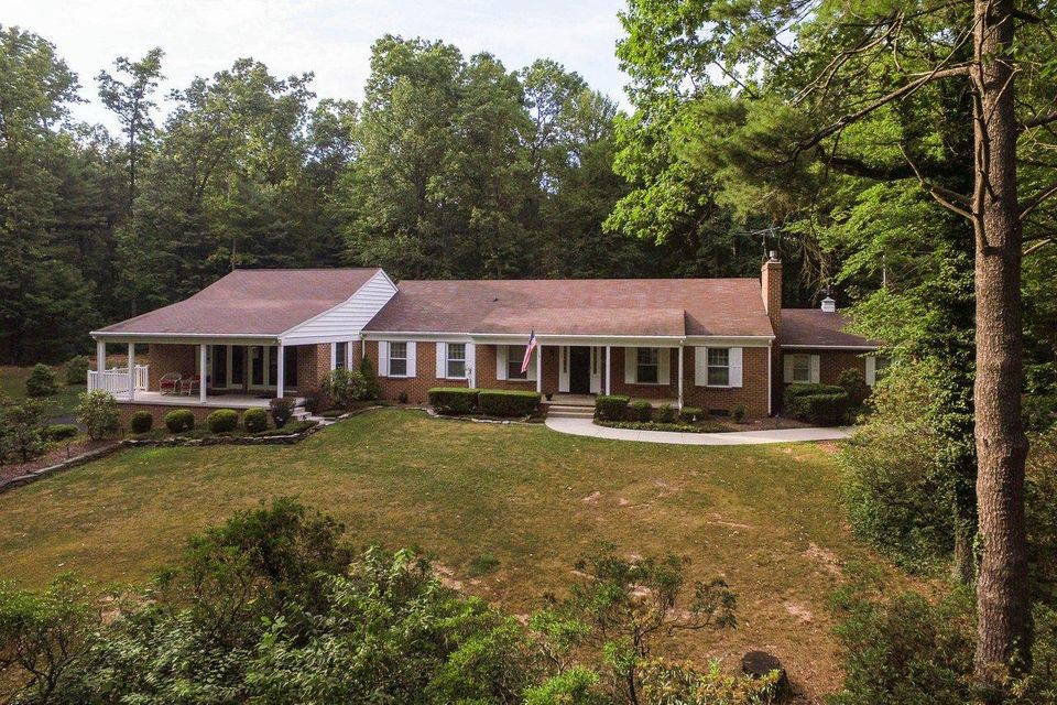 Single Family Home for Sale at 725 YELLOW HILL ROAD 725 YELLOW HILL ROAD Biglerville, Pennsylvania 17307 United States