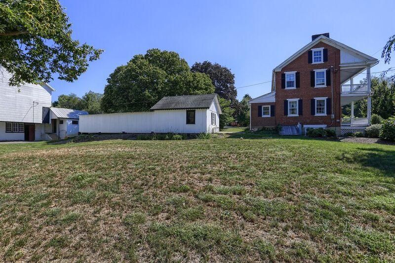 Additional photo for property listing at 1996 MILLERSVILLE ROAD 1996 MILLERSVILLE ROAD Lancaster, Pennsylvania 17603 Estados Unidos