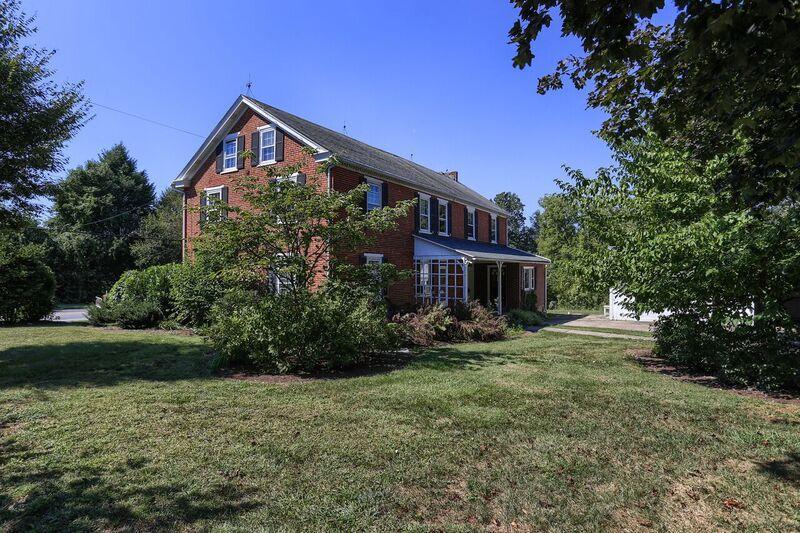 Casa Unifamiliar por un Venta en 1996 MILLERSVILLE ROAD 1996 MILLERSVILLE ROAD Lancaster, Pennsylvania 17603 Estados Unidos