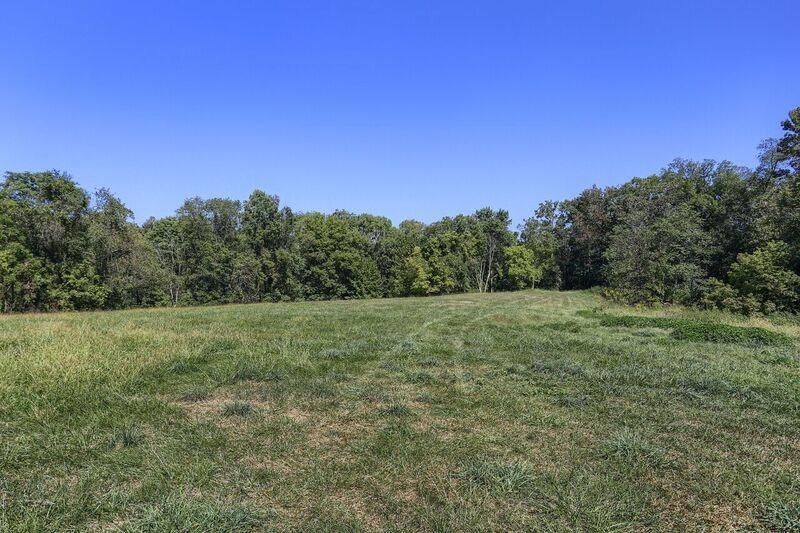 Additional photo for property listing at 1996 MILLERSVILLE ROAD 1996 MILLERSVILLE ROAD Lancaster, Pennsylvania 17603 Estados Unidos