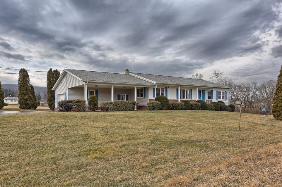 25 FOREST DRIVE, HEGINS, PA 17938