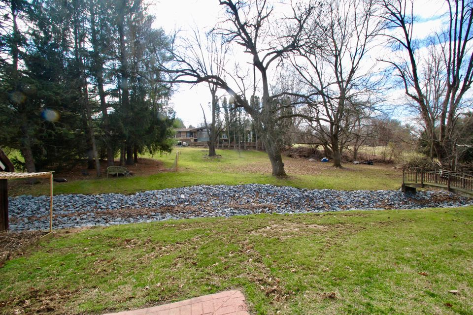 Additional photo for property listing at 1530 VALLEY ROAD 1530 VALLEY ROAD Lancaster, Pennsylvania 17603 United States