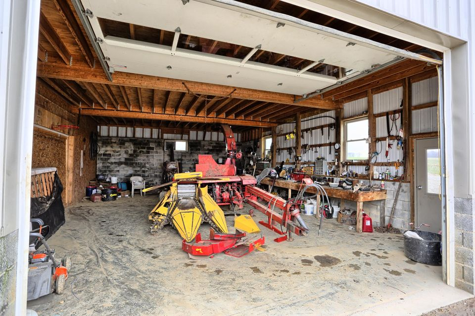 Additional photo for property listing at 1796 STEWART HOLLOW ROAD 1796 STEWART HOLLOW ROAD Homer City, Pennsylvania 15748 Estados Unidos