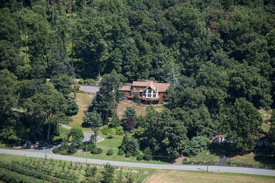 Single Family Home for Sale at 1076 SHEEPHILL ROAD New Holland, Pennsylvania 17557 United States