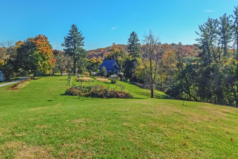 Single Family Home for Sale at 1316 MUDDY CREEK FORKS ROAD 1316 MUDDY CREEK FORKS ROAD Airville, Pennsylvania 17302 United States