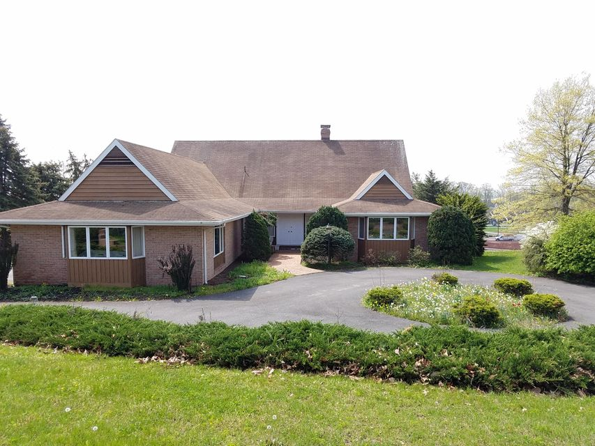Additional photo for property listing at 9 RED TAIL CIRCLE 9 RED TAIL CIRCLE Denver, Pennsylvania 17517 Estados Unidos