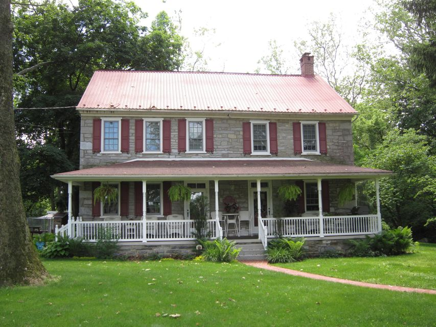 211 QUARRY DRIVE, MYERSTOWN, PA 17067