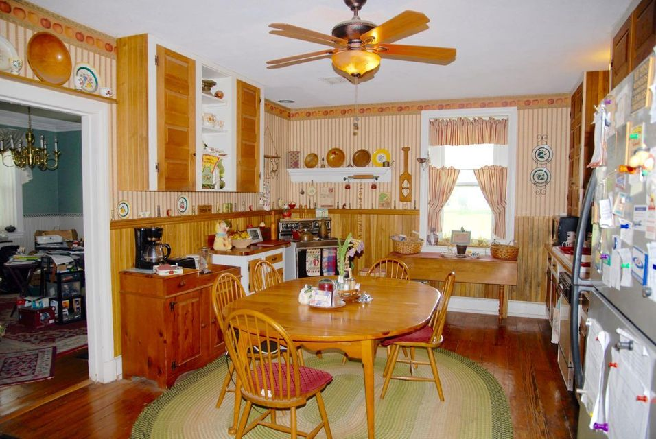 Additional photo for property listing at 210 OBERHOLTZER ROAD 210 OBERHOLTZER ROAD Gilbertsville, Pennsylvania 19525 United States