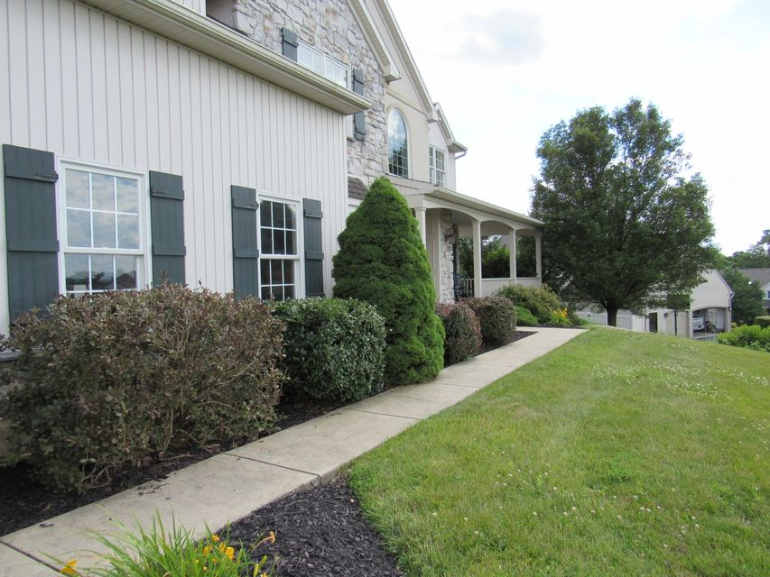 Additional photo for property listing at 445 LORI ANN COURT 445 LORI ANN COURT Lebanon, Pennsylvania 17042 Estados Unidos
