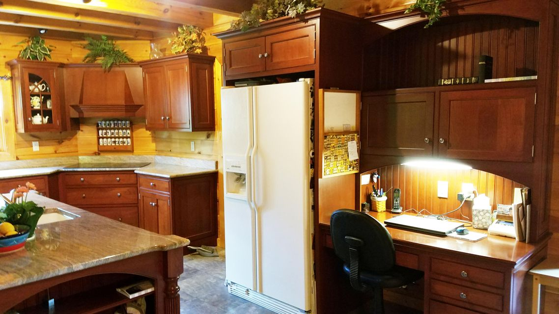 Additional photo for property listing at 300 MOUNTAIN TOP ROAD 300 MOUNTAIN TOP ROAD Reinholds, Pennsylvania 17569 Estados Unidos
