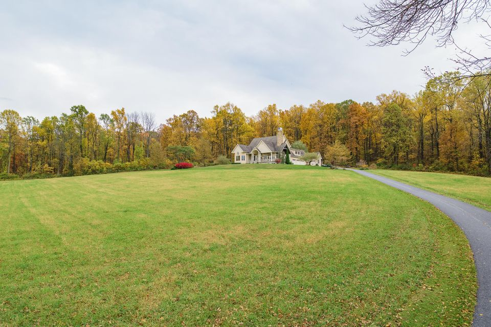 Additional photo for property listing at 984 HILL ROAD  Robesonia, Pennsylvania 19551 United States