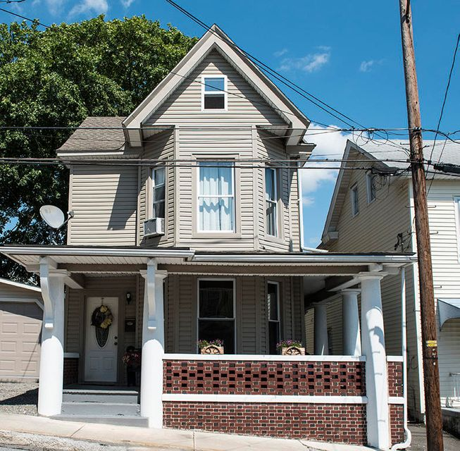 129/131 EAST STREET, WILLIAMSTOWN, PA 17098